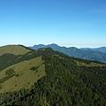 山頭上的小徑清晰可見:P