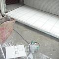 0413-前陽台鋪好了..>.O