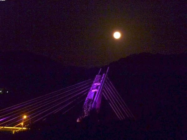 11超級月亮20120506~~