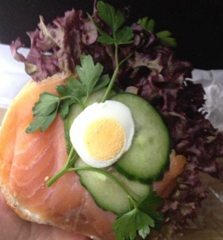 薩爾斯堡-燻鮭魚貝果