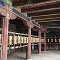 西藏(4)_15_殿外迴廊的法輪