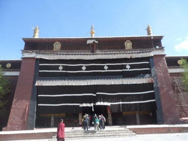 西藏(8)_4_措欽大殿
