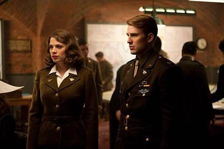 captain-america-movie-photo-08-550x366.jpg