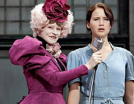 The-Hunger-Games-Effie-and-Katniss.jpg