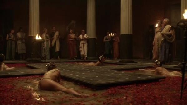 Spartacus.Blood.and.Sand.S01E01.READNFO.HDTV.XviD-2HD.avi_002200823.jpg