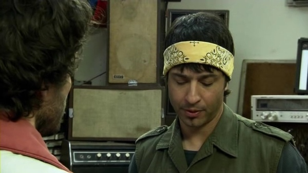 Flight.of.the.Conchords.S02E06.000767139.jpg