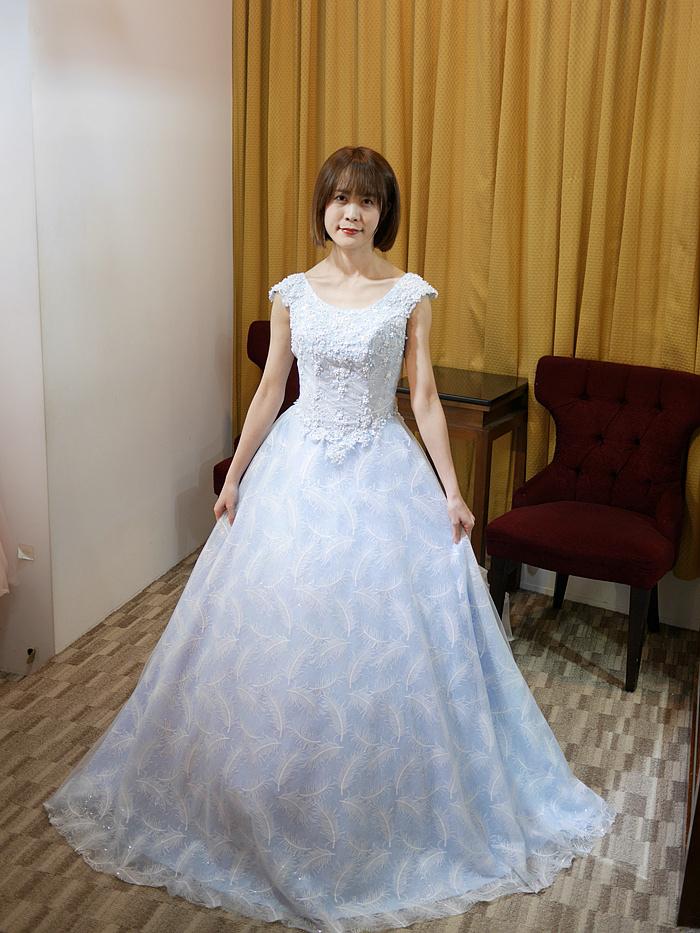 水藍色婚紗