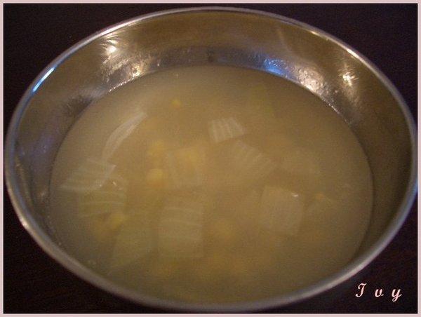 洋蔥玉米湯