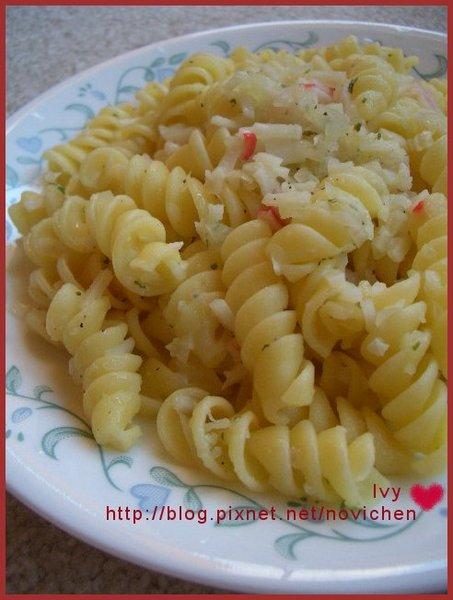 香蒜洋蔥蟹條螺旋麵