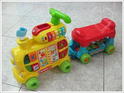 VTECH_智慧積木車1.JPG