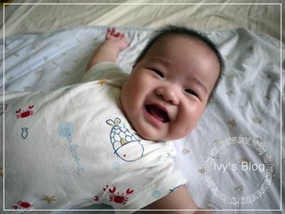 20111011 [安4M27D] 招牌笑容.JPG