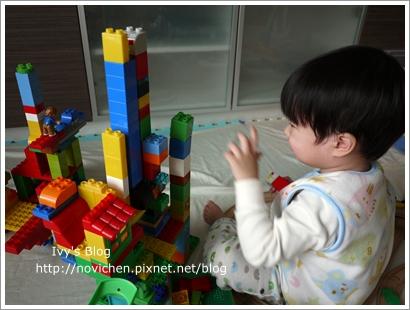 20111208[宇3Y4M16D] 玩樂高_3.JPG