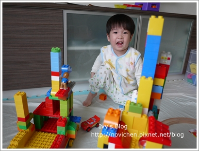 20111208[宇3Y4M16D] 玩樂高_6.JPG