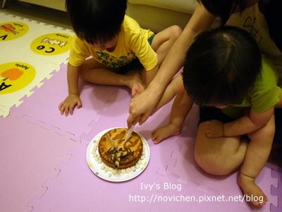 20120514[宇3Y9M4W&安1Y] 安安一歲生日_2