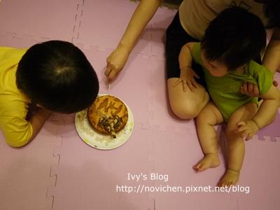 20120514[宇3Y9M4W&安1Y] 安安一歲生日_3