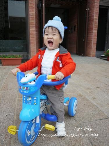 20121124 [宇4Y4M1W&安1Y6M2W] 出門騎腳踏車_2