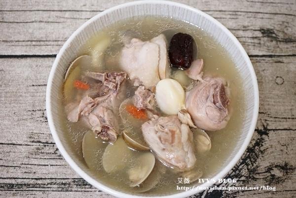 蛤蜊蒜頭雞湯_9.JPG