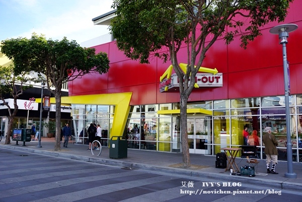 IN&OUT_2.JPG