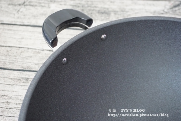 鈦讚瓷晶炒鍋_5.JPG