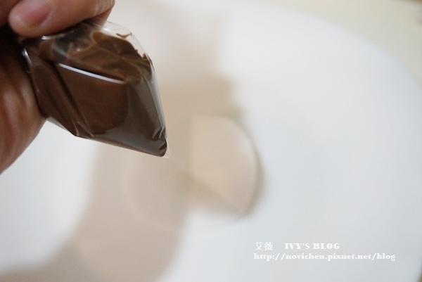 巧克力生日蛋糕_33.JPG