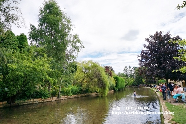 Bourton-on-the-water_8.JPG