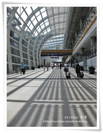 4_機場至公車站玄關.JPG