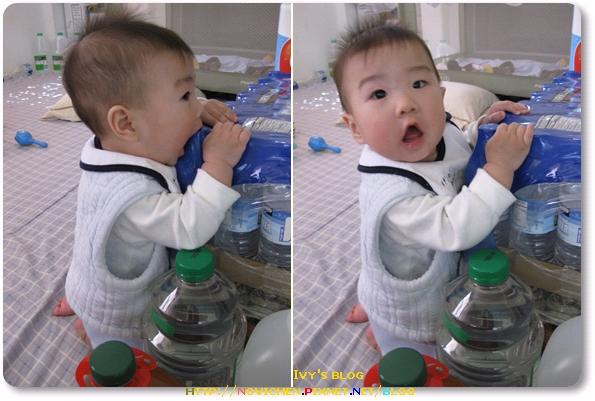 [8M2W] 很喜歡咬礦泉水瓶.jpg