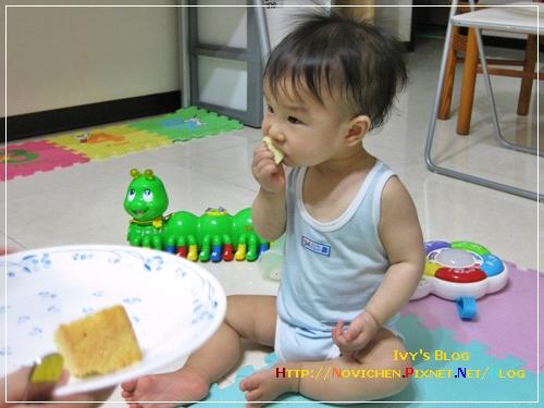 [1Y] 吃蛋糕_1.JPG