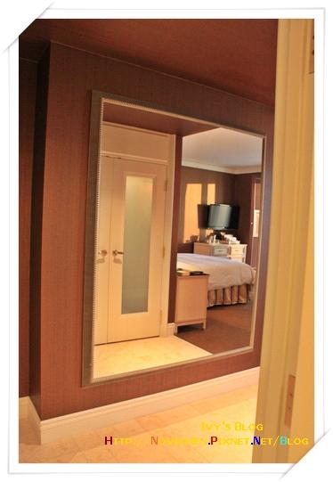 [16M1W] 1_1125 Wynn房間_入口玄關的大鏡子.JPG