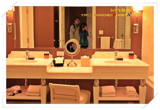 [16M1W] 8_1125 Wynn房間_浴室擺設.JPG