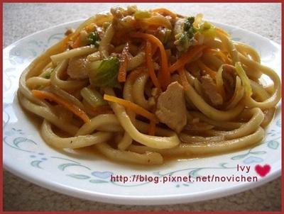 沙茶雞肉炒麵2.jpg