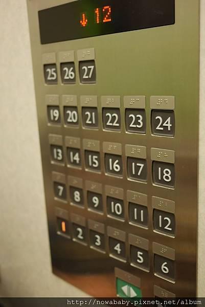 08樓層很高.JPG