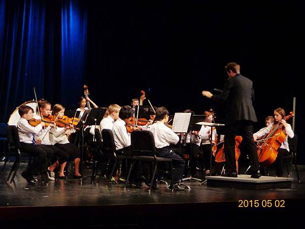 20150502 Mr Noel conducting for the exam DSC03526.jpg
