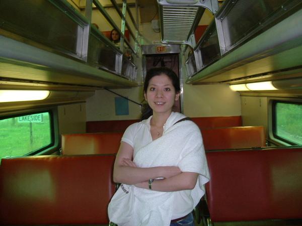 還有上層座位的火車車廂