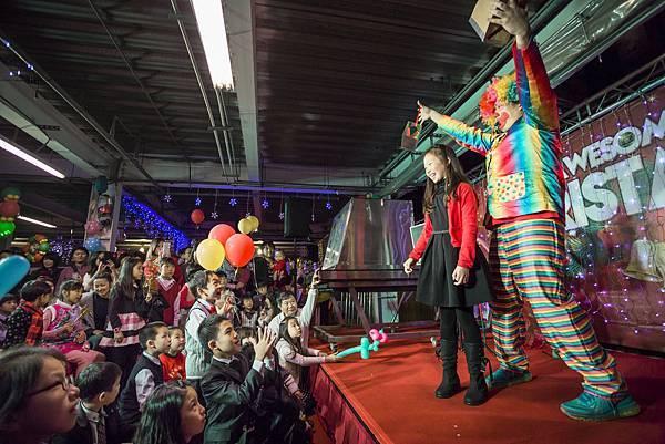 小丑互動秀