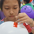 剌不破氣球科學實驗2_105-04-23.JPG