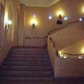 樓梯超美的 -/-