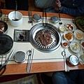 吃韓式烤肉 :目