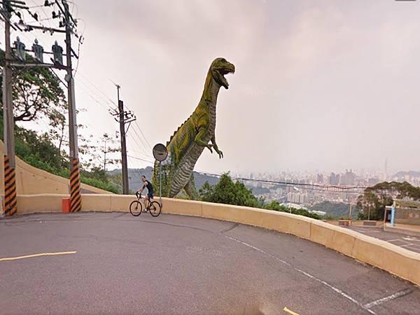 烘爐地奇特的恐龍.jpg