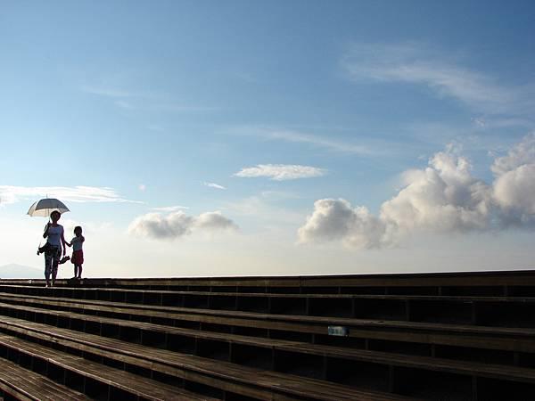 適合觀看雲霞與海景的觀海台.jpg