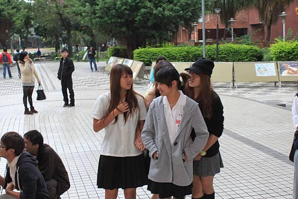 2011.10.26 制服日+尋寶+窮嘶盃 031.jpg