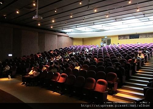 (10)可容納三百人的演講廳.JPG