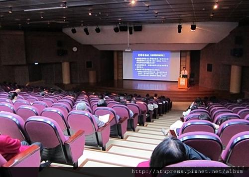 (17)蔡教授演講-4.JPG