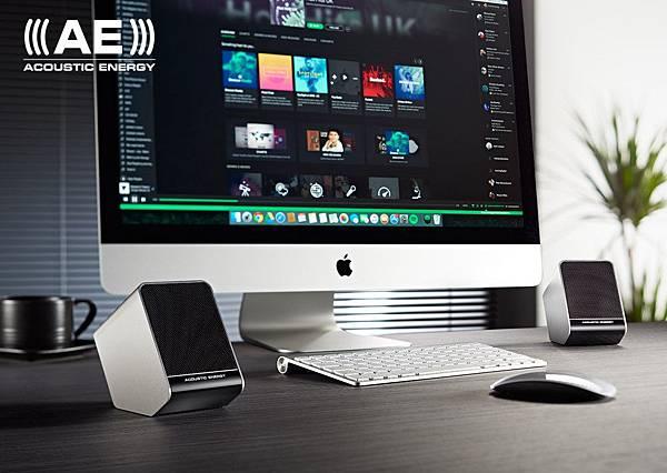 Aego-3-and-iMac.jpg
