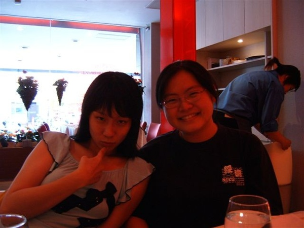 萱凌跟瓊葦