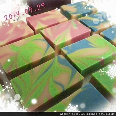 2014.05.29 薰衣草浸泡油做渲染皂4