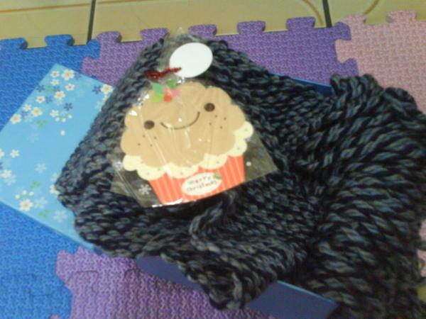 藏鏡人送的卡片圍巾