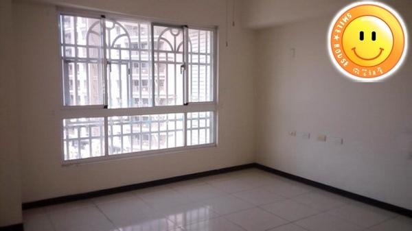 平鎮買屋。平鎮買房子。時代廣場景觀3+1房。668萬