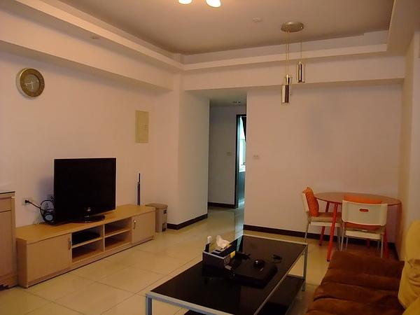 中壢租房子。美麗歐洲2房。13000含管理費1.jpg