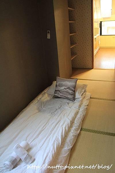 Room_27.JPG